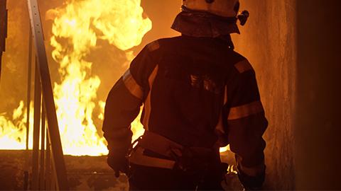 消防隊員などの進入経路を確保