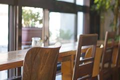 カフェなどの飲食店